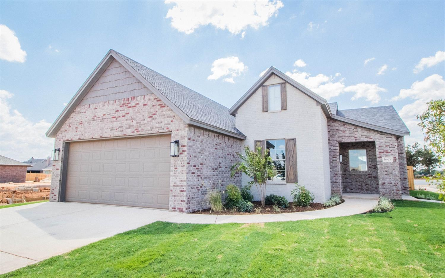 Another beautiful home by Apex Construction - perfect for you and your family.  This 4/2/2 boasts custom details and gorgeous finish selections throughout. Located in Bushland Springs, a growing part of west Lubbock.  Apex Construction prides itself in hard work and customer service, because they truly value the people that they work with. With years of construction experience, customers will feel valued and listened to as they work side by side with our team to design their dream home. Call today to see this home you are sure to fall in love with!  Welcome Home!