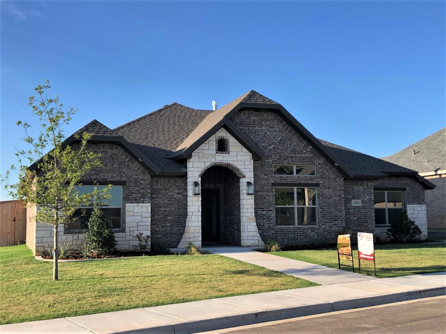 This beautiful home is located in the highly desirable Brooke Heights Addition. It features lots of natural light in the Family room, and kitchen. The family room is spacious, with a fireplace and beamed ceiling. The kitchen is large with loads of beautiful painted cabinets, and a huge pantry. The master features a boxed ceiling, and the master bath has a large separate shower with beautiful tile work, and a huge walk in closet. The patio is covered, and is large enough for entertaining. The yard has sod and sprinkler system all around. The back yard is surrounded with a 7 foot capped cedar fence. This home is priced right, and won't last long. So don't let this beauty get away!