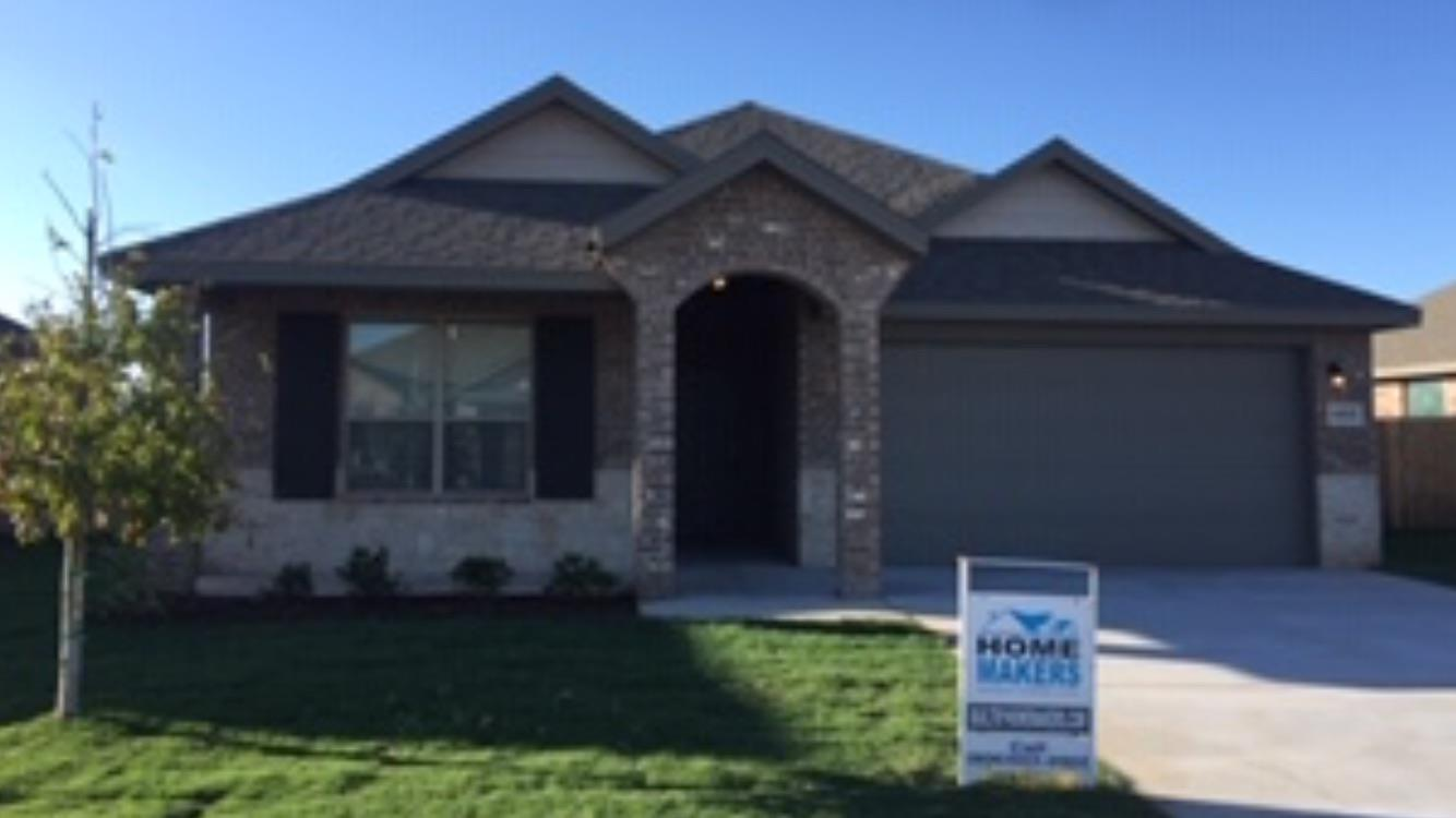 Beautiful new construction in Willow Bend, great neighborhood, move in ready, in a cul-de-sac. This 3/2/2 home has an open floor plan with great space in kitchen, includes stainless steel appliances, granite counters, with free standing gas range. Granite in bathrooms and tile floors, lots of storage, with tub/shower combo in 2nd bath. This home has great natural lighting, beautiful tall ceilings in living, and won't last long.  Both sod and tree are included, as well as a sprinkler system in front and side yard. Highland plan