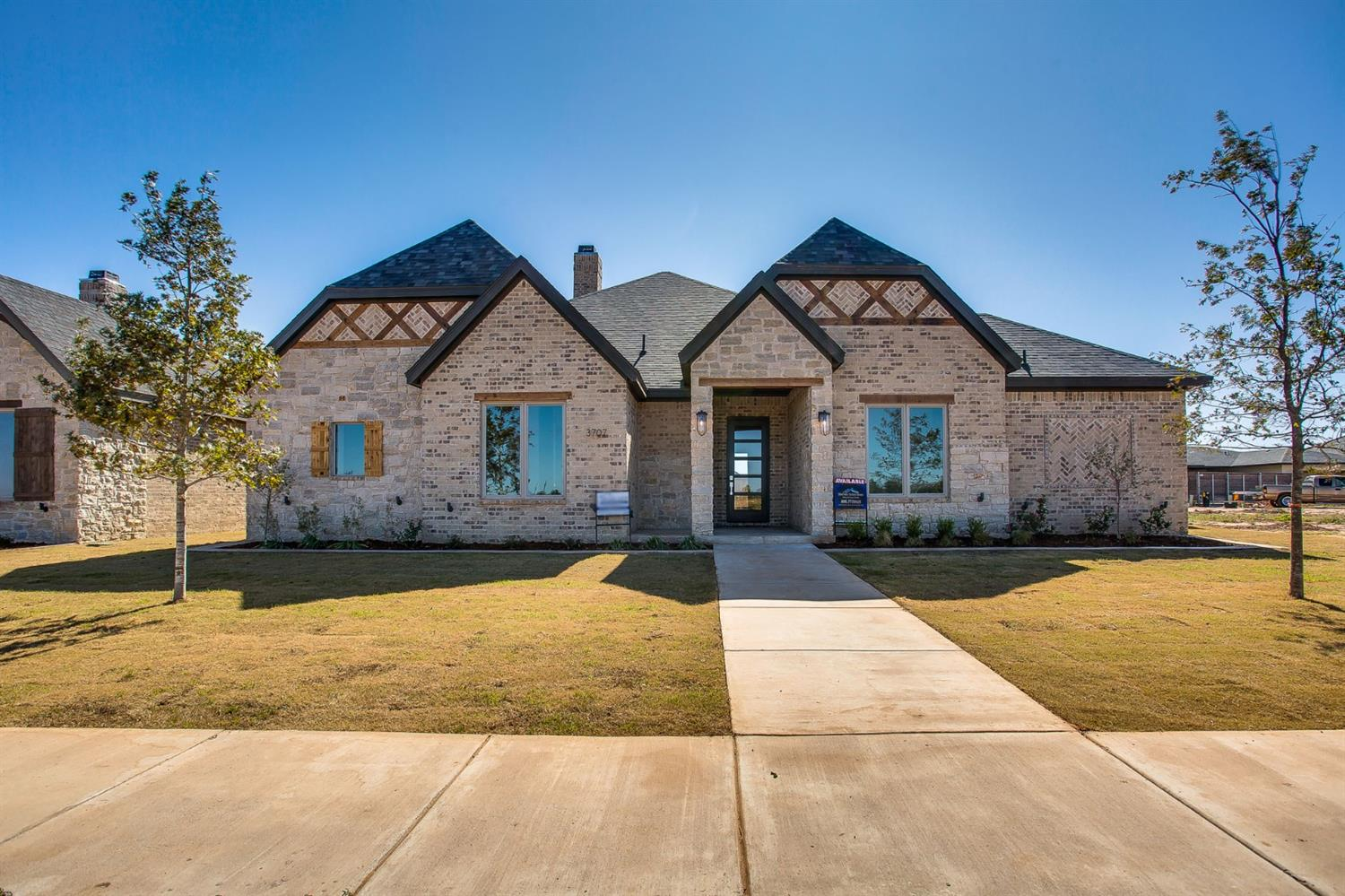 Welcome to Hatton Place! This stunning 4/3/2 was built by award winning Clearview Custom Homes, and features a large open concept with custom finishes throughout! Hatton Place is located in the highly sought after Cooper School District, and conveniently located near many shops and restaurants!    Estimated completion date October 2019.