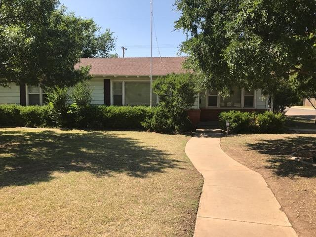 Greta 3 bed 2 bath located in the Medical District. This home has a great layout with two living areas and a large kitchen. Located on the corner with an RV storage/patio and storage shed. Home is rented through 7/31/21