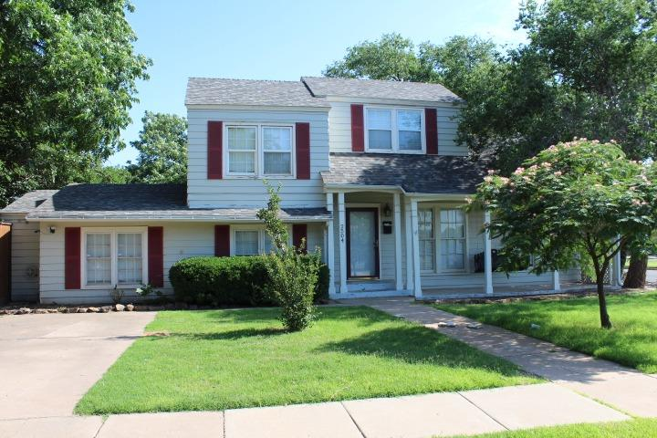 Great two story home in Tech Terrace! This a great 3/2 with two living areas or a 4th bedroom. This home has lot's of charm with the built-ins and hardwood floors. Home is rented through 5/31/2021