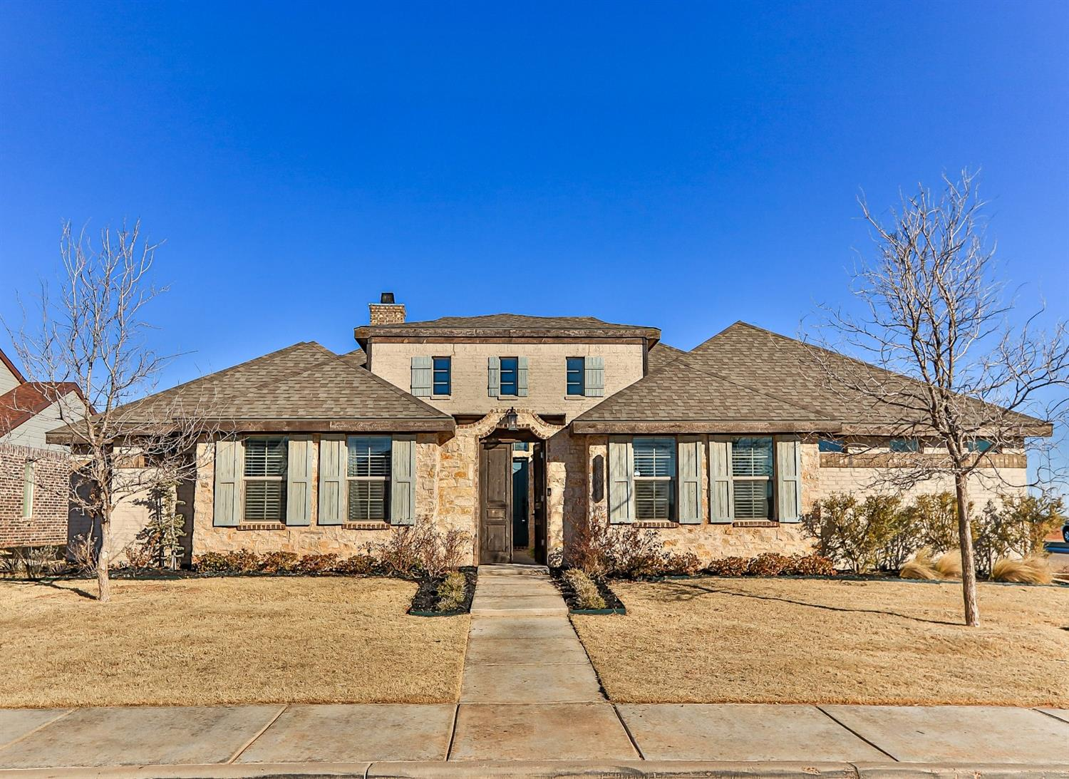 Creativity & Craftsmanship in Kelsey Park!Time to Gather The Family in This Fine Home Built by Jeff Seal,2017! Nestled on a Beautiful Corner Lot,the Curb Appeal is 2nd to None-Small Private Courtyard Leads You to The Turquoise Front Door & You Know You Are HOME! LARGE Living Area W/Vaulted & Beamed Ceiling,Vinyl Plank Flooring & Stylish Fireplace...Flowing Right Into the Attractive Dining Area & Dreamy Kitchen! You Will Want to Stay In & Eat In,This Well-Equipped Kitchen Has You Covered...Double Gas Ranges,Stainless Refrigerator/Freezer,Granite Island W/Seating,Super Pantry...All Topped Off With Striking Ceiling & Delightful Lighting-Isolated Master Retreat W/Spa-Like Bath...Soaking Tub & Chic Shower-2nd Isolated Bedroom;3rd & 4th Bedrooms Neatly Share JacknJill Bath-Favorite Family Hangouts...Bricked Family Room & Outdoor Living Complete With Large Covered Patio & Firepit! Super Storage/Closet Space Throughout-OFFERING $5000 in BUYER CLOSING COSTS...Call This Irresistible HOME Today!
