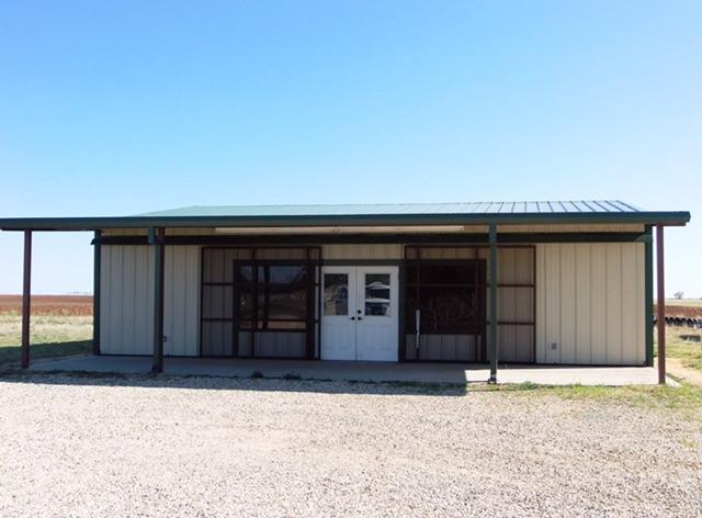 Great building for sale. Approx 1600sf including 300sf storage area, one ADA restroom and a private office. It has one HVAC unit. The front of the building has a covered patio that is 10x40sf. Has .91 acres located 1/2 mile East of Crosbyton on US 82.