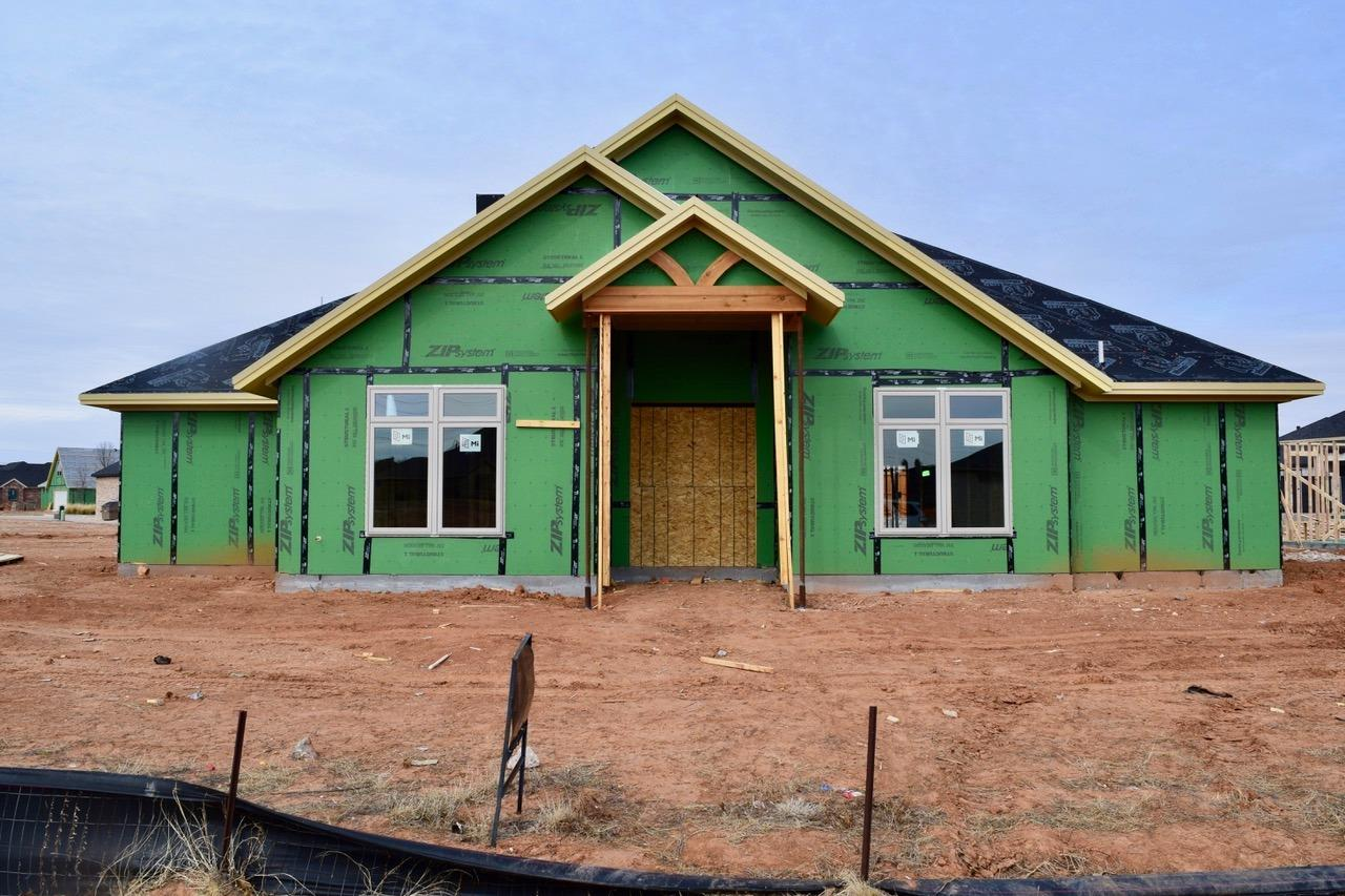 Incredible Aaron Daniel New Construction of a 4 bedroom, 3 bath home with rear entry 2 car garage.  Boasting special ceilings all around and beautiful entry.  Call Today!
