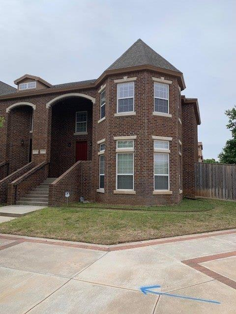Awesome Townhouse in Overton on the corner!! 4/2.5/2 Huge open living to kitchen, hardwood floors, spacious bedrooms, massive master suite & bath, washer, dryer, fridge, sectional couch, and 4 TV's all convey with property!