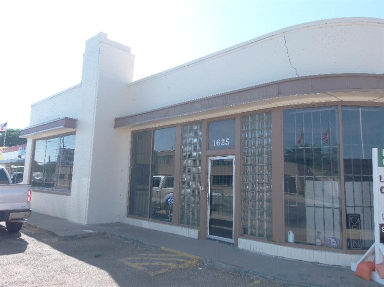 Huge 8,232 Sq. Ft. Multi Use Facility That Has Been Used In The Past As A Gameroom, Furrier, Church, & Pawn Shop.  For Sale($325,000) Or For Lease($2,250/mo).  36 Month Minimum Lease Term.  Very Versatile Building That Has 4,116 Square Feet On The Main Level Plus 4,116 Sq. Ft. In The Basement Level.  Includes Gated And Fenced Parking In Rear(1905 Dixie Ave---approx. 30 Spaces).  New roof put on in 2014.