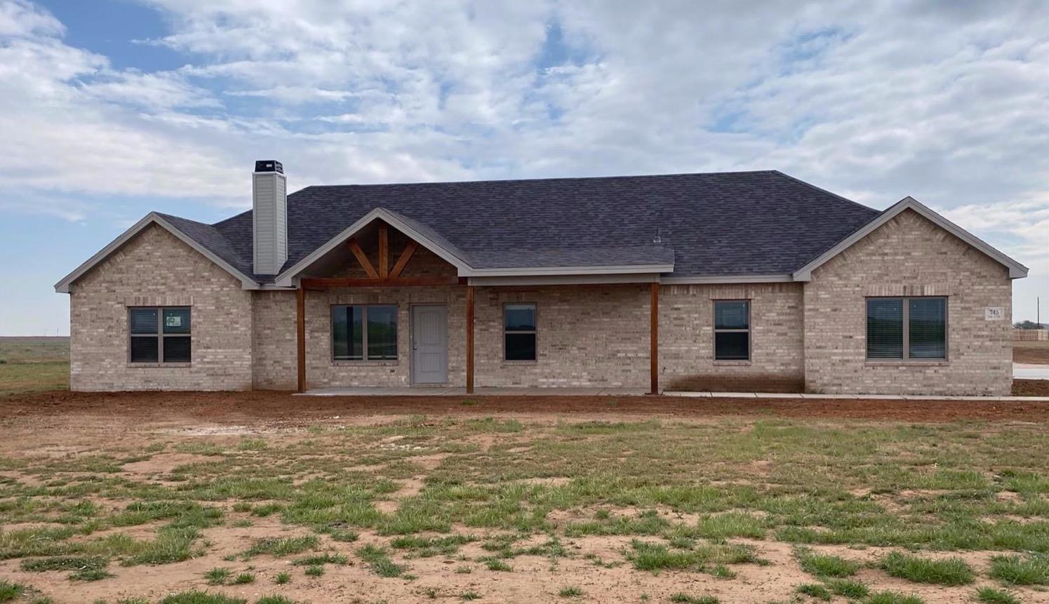 New construction on 1.68 acres in New Home School District! This 4/3/2 has 2 living areas, and a 30 x 40 SHOP. Large utility/mudroom with lockers, sink, and storage. Open concept living area with wood burning fireplace. Granite countertops in kitchen, utility and baths. Kitchen offers island, large walk in pantry and stainless steel appliances. Isolated master suite has tiled shower, soaking tub, and large wrap around closet with built ins. 1-2-10 builder's warranty!