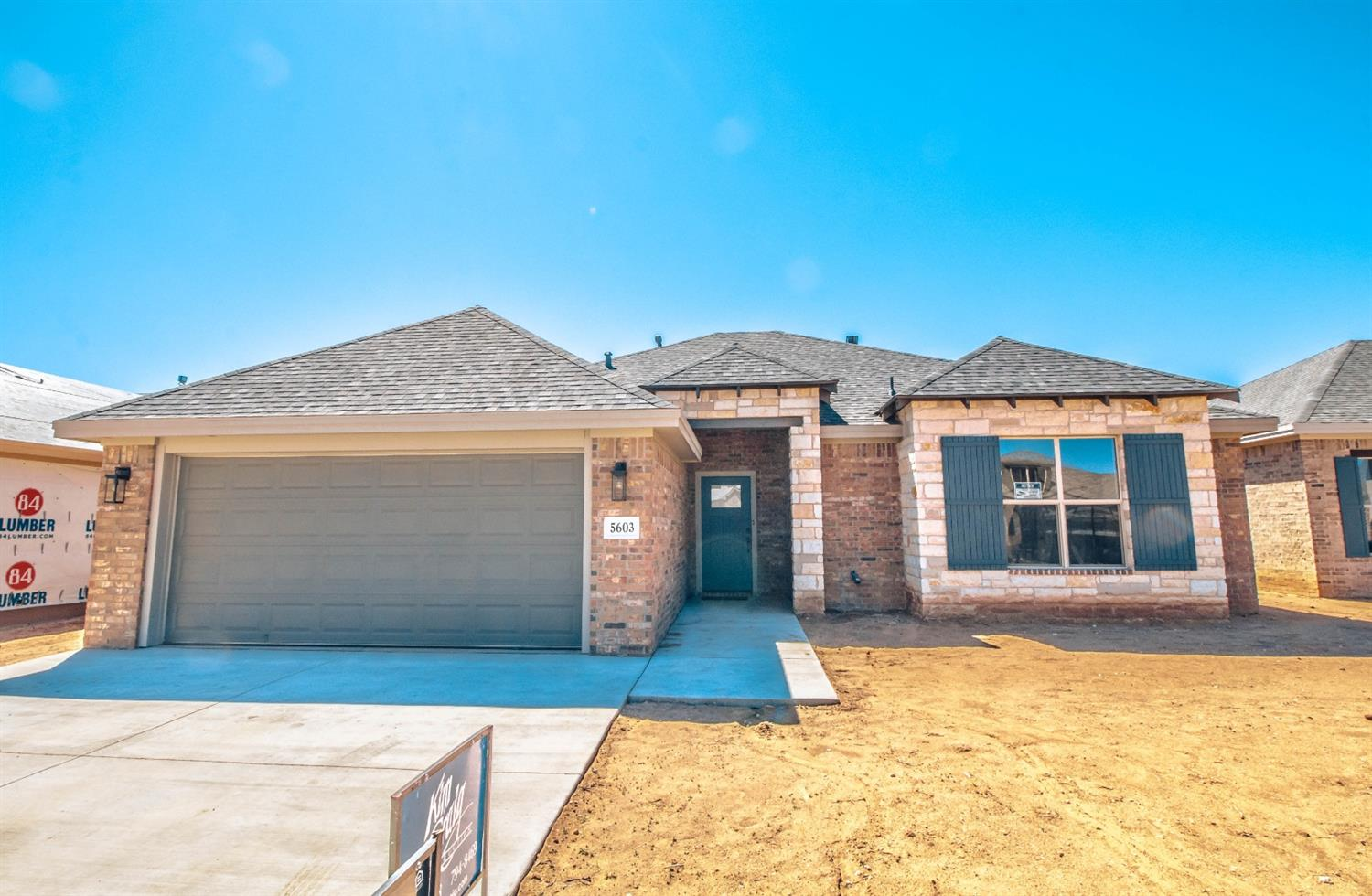 Check out this AMAZING Kim Craig Home. This 3/2/2 with isolated master bedroom is perfect. The home will be ready at the beginning of February. Stonewood is a front entry garage that is up and coming. You dont want to miss this home.