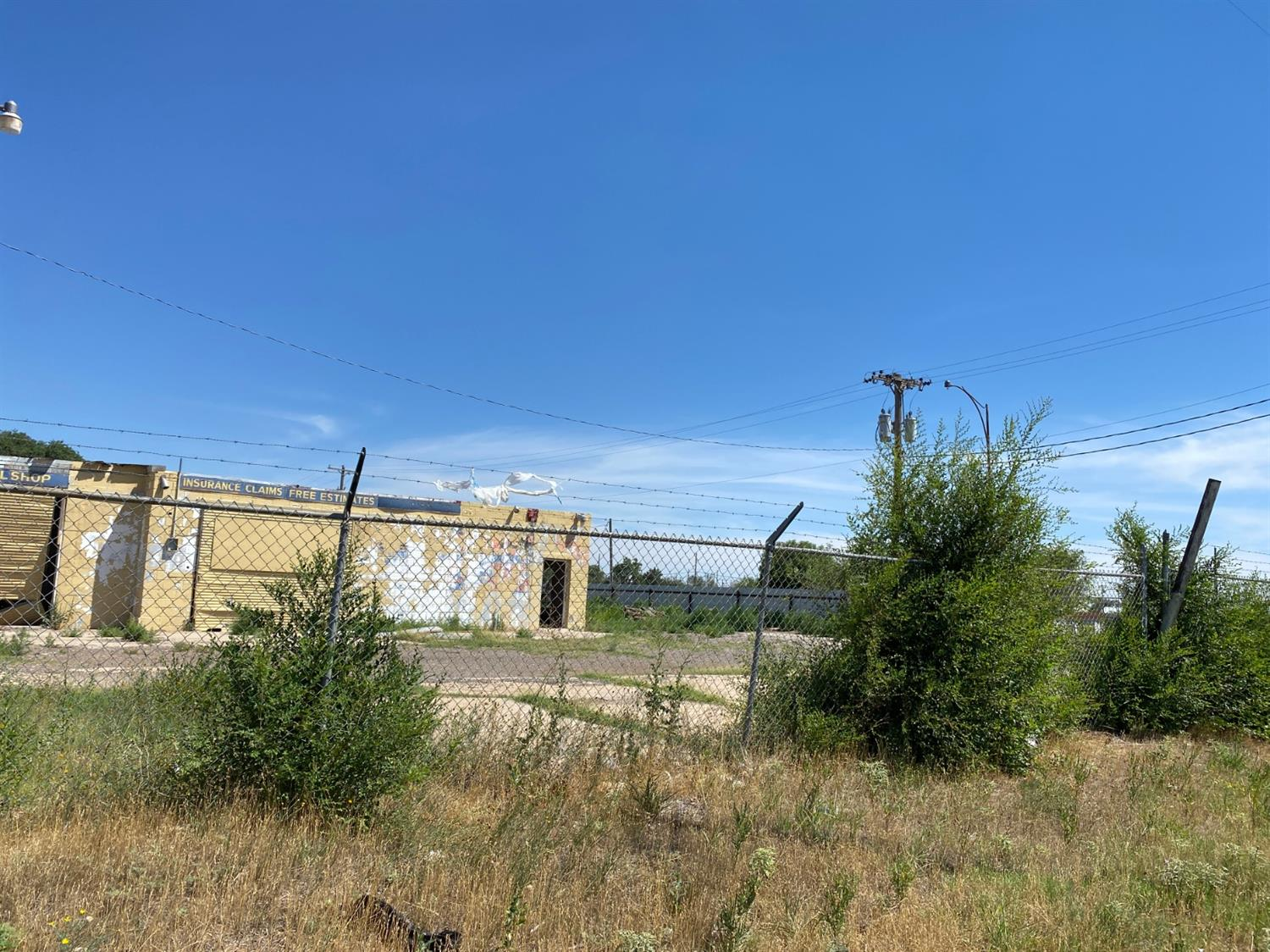 Looking for a commercial fixer upper property in an excellent traffic area? 3018 Idalou Rd it's available! Corner commercial lot in almost half acre!