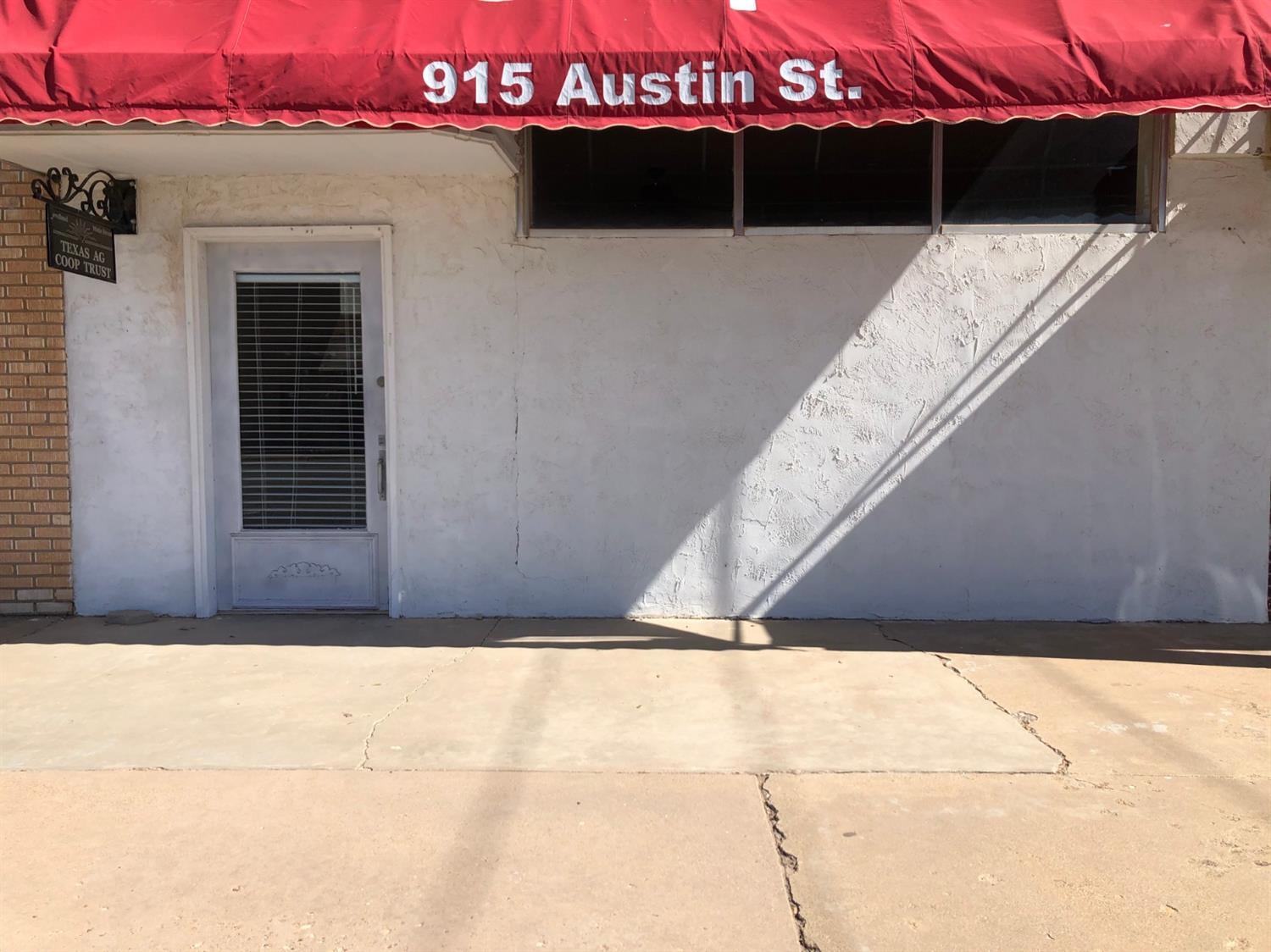 Completely remodeled office building waiting for your business.  Located in the beautiful historic Downtown Levelland, TX.  One block west of the courthouse.  The office building has a 30-year spray formed roof that was installed in 2017.  This office building has a large reception area with closet, four individual offices with large room located in the back that would be perfect for conference room, or media room.  This building has a break-room/eating area and one restroom.  Call today to see this jewel!