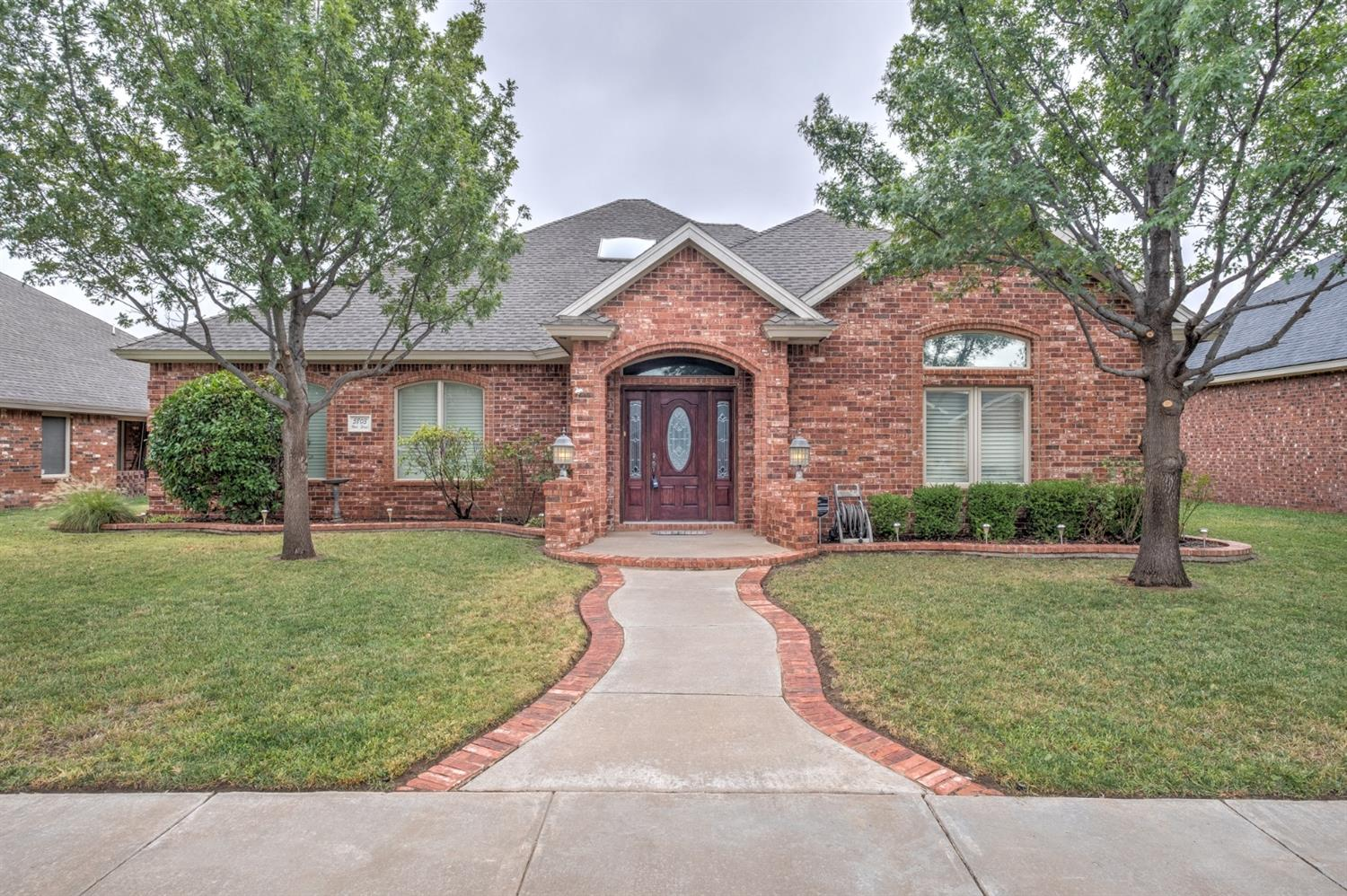 This beautiful 3 bedroom 2.5 bath home in Frenship school district boasts a large open concept living/dining/kitchen area along with a large study.  And if you are looking for a home with tons of storage space, look no more. Extra built-ins throughout, 2 pantries, walk-in closets with added shelves, built-ins and MORE! Sprinkler system, rear parking, & mature landscaping add to this gorgeous home!  Call today to see before it's gone!