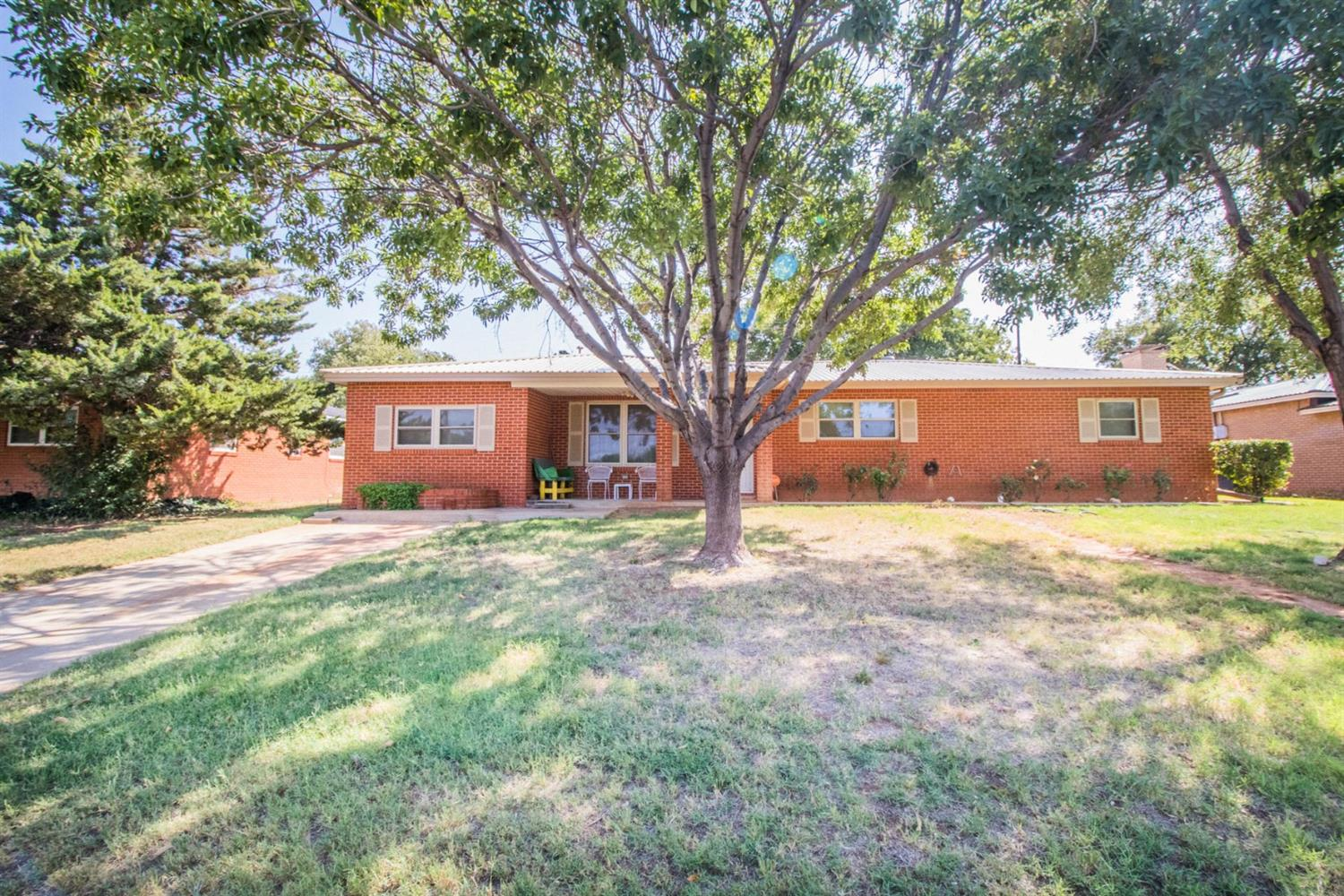 This beautiful home located in Seminole is in a quiet neighborhood across from a park.  There are 4 bedrooms, 2 bathrooms, 3 vehicle carport in back in addition to a 12 X 24 shed and covered patio.  The sewer and water line was just replaced.  The air ducts have been cleaned recently as well as the carpets.  This well maintained home has carpet throughout aside from the kitchen and bathroom tile.  The kitchen has ample cabinet space, a new dishwasher and sink with a nice laundry space just adjacent.  The master has a new tile shower and marble sinks.