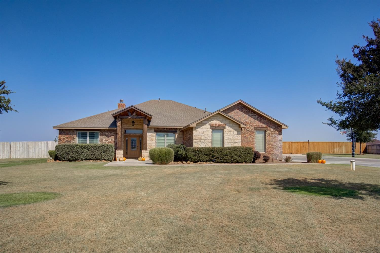 Don't miss this 4/3/2 home in a quiet cul de sac in the Timber Ridge subdivision located on one acre. As you walk in the front door, you will love the open concept living room, beautiful fireplace, and dining room.  The kitchen has freshly painted white cabinets, an island and breakfast bar, and double-ovens.  Right off the kitchen is a bonus room that is perfect for a playroom or office.  The Master bedroom is a great size and the Master bathroom has a seperate air flow tub and large shower.  The other bedrooms are the perfect size for children, guests, or even an office.  Relax on the nice back patio and enjoy the backyard that has plenty of room for a playset or trampoline.  There is even an extra side yard space with a small shed. Come see this beautiful home today!