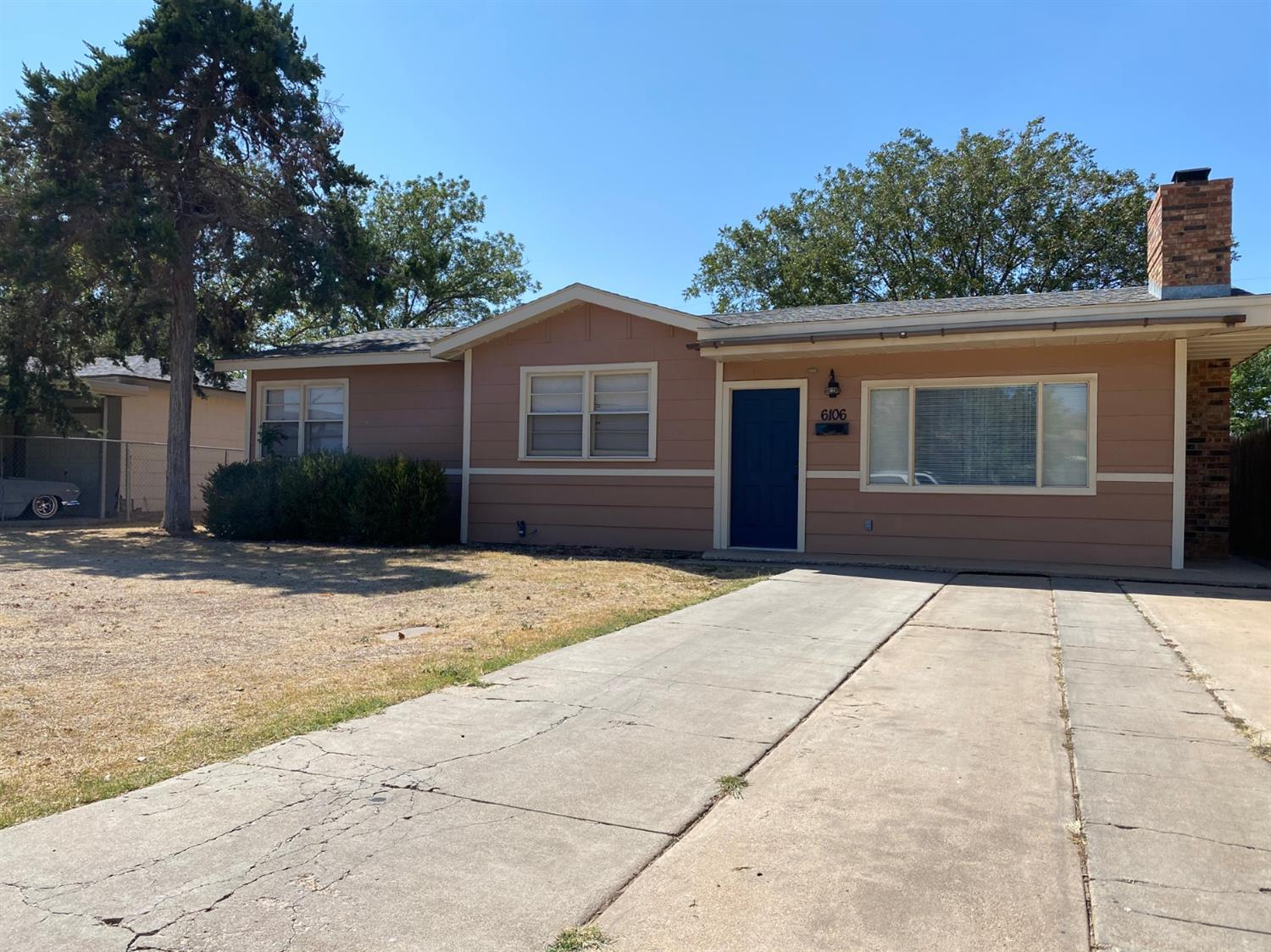 BIG spacious 4/2/1 home near Lowrey Field. Completely renovated inside and out.  Currently rented for $1342