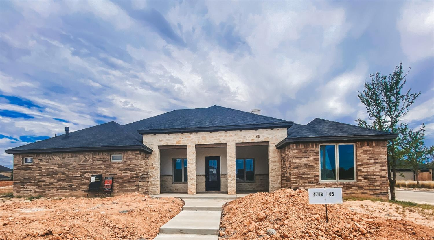 Lakeridge South Custom Aaron Daniel Home with 4 bedrooms, 3 baths, outstanding kitchen and dining and space galore!  Come see this beauty today!