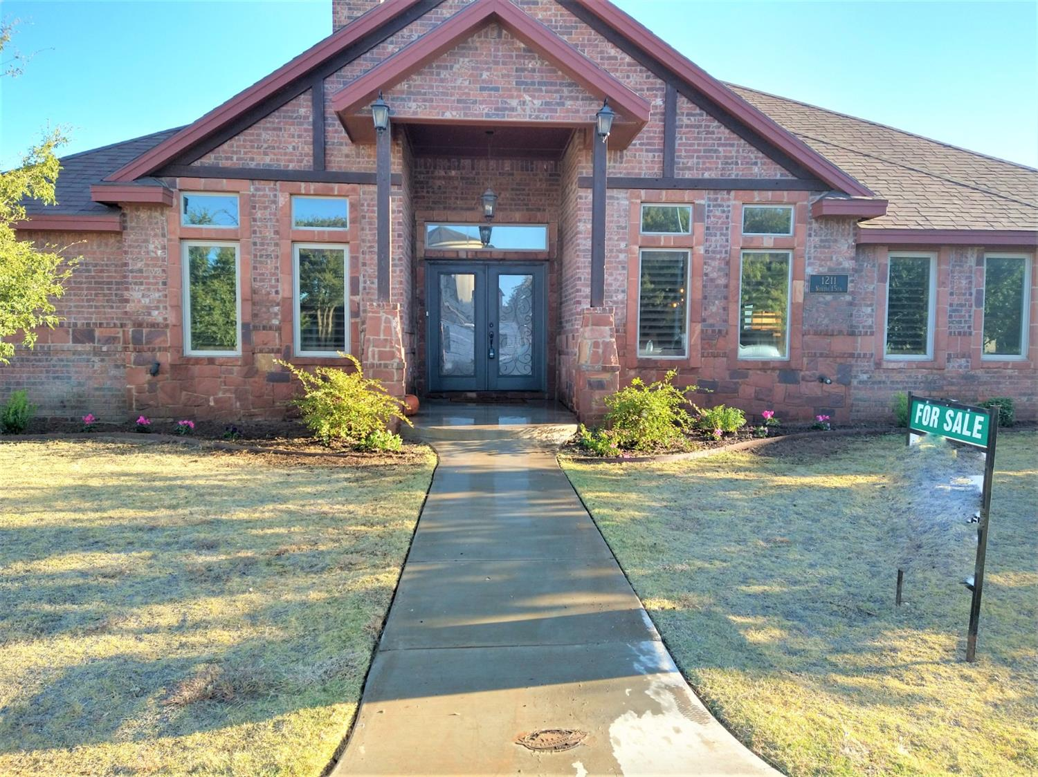 Gorgeous custom 4 bed, 2/5 bath with an office!  Frenship ISD! Stunning professional kitchen with custom cabinets; formal dining room with hardwood floors; cathedral ceiling with wood beams and floor-to-ceiling stone fireplace in family room; office/study; relaxing master suite with air flow tub, two vanities, and spacious walk-in closet; two of the bedrooms share a Jack N Jill bathroom; bonus room; mud room with built-in desk; and more! Backyard features a built-in outdoor grill. Preston Manor offers 7,000 SF Rec Center; 3 Pools (Child's Pool, Wading Pool, Lap Pool); 9 Professional Tennis Courts; Fitness Facility with Classes; Gazebos for Private Events; Park with Walking Trail & Pond.