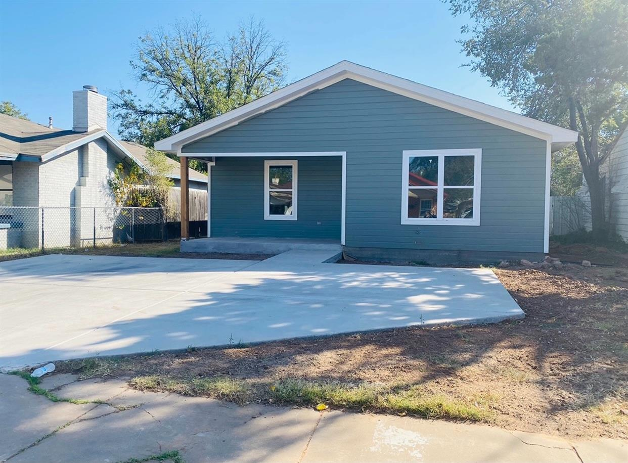 Brand New Construction in Central Lubbock! Perfect for First Time Home-Buyers, Investors and College Students! Just Minutes from Texas Tech & Medical District. This Home Features: 3 Spacious Bedrooms, 2 Bathrooms, Great Living Room, Open Floor Plan and SO MUCH MORE!