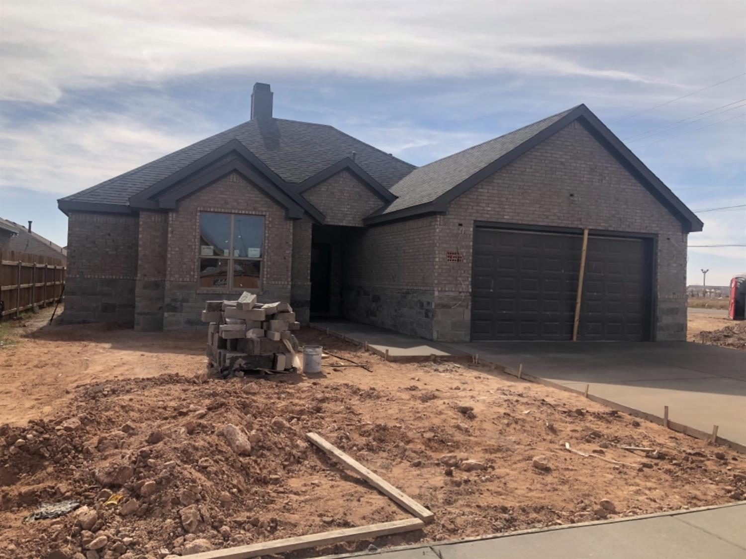 New Construction in Cambridge Way. Completion date 12/20. 3/2/2 with open concept, granite, stainless steel appliances, window blinds throughout, 50 gallon HWH. Buyer chooses gas or electric range.