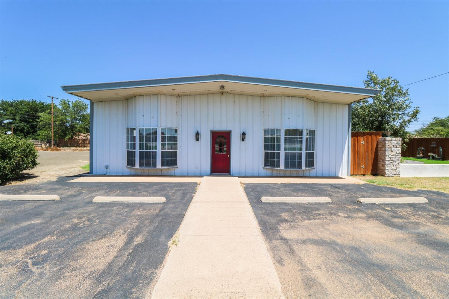 Great sized office building conveniently located right off of HWY 84.  This building offers a reception area, 6 office spaces, a kitchen/breakroom as well as a large meeting or conference room.  Building has been very well maintained and owner is motivated to sell.  Call today to schedule your private showing.  Carrie Hanlin 806-891-5119.