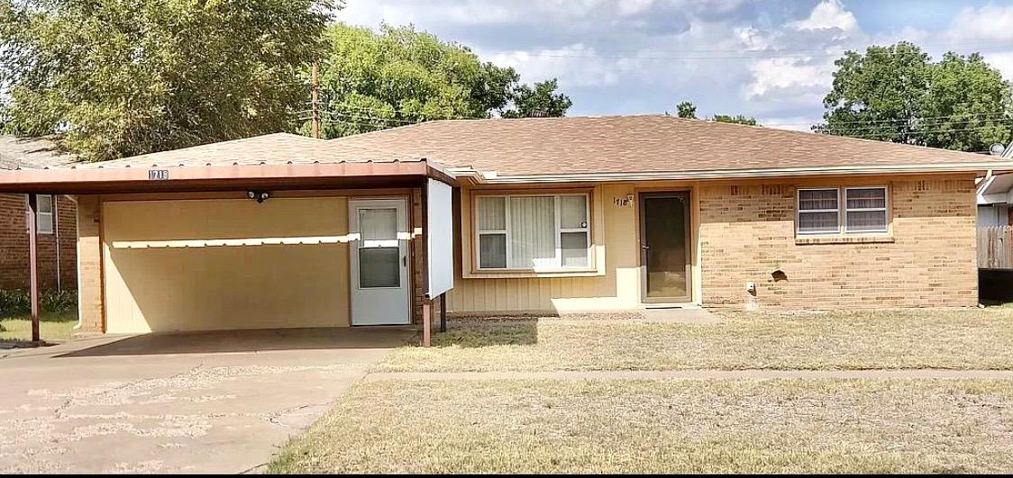 This spacious three bedroom two and a half bath home is located within walking distance from the city park and Dillman Elementary School. The property has many added features including a second living room, bonus space, and the perfect outdoor space to be a man cave or workshop.