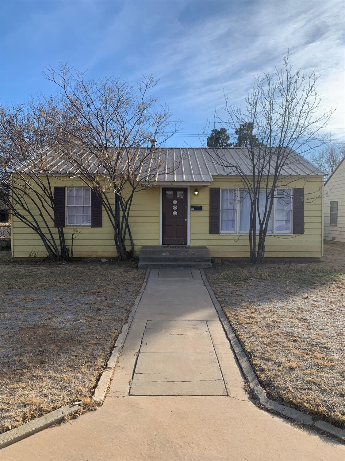 3 bed 1 bath renting for $875 through 6/30/2022