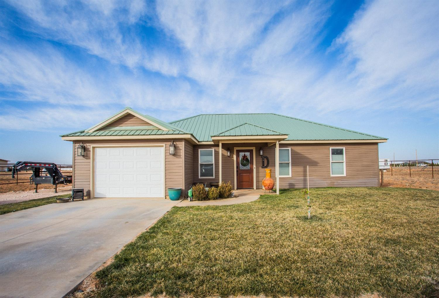 Are you looking for a newer home one 1 acre under $200k? Here is a home built in 2013 sitting on 1 acre. This 2 bed 1 bath is has a spacious open design and also a detached storage shed with a concrete floor! Don't let this one slip by.. Schedule your showing today!
