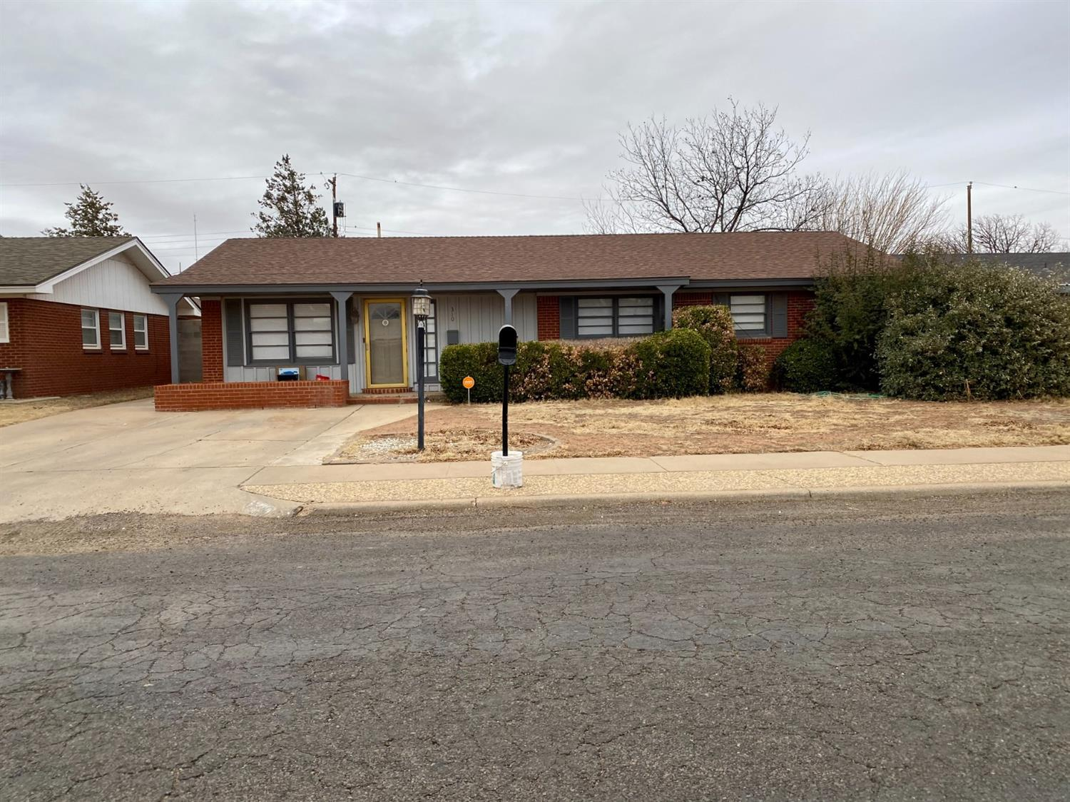 Looking for a home close to the elementary school?? Here it is! This home offers 3 bedrooms, 3 bath, 2 living areas, and several updates throughout. Open concept in kitchen and family room area. Large laundry room with a huge storage or playroom area. Great home ready for a new family!