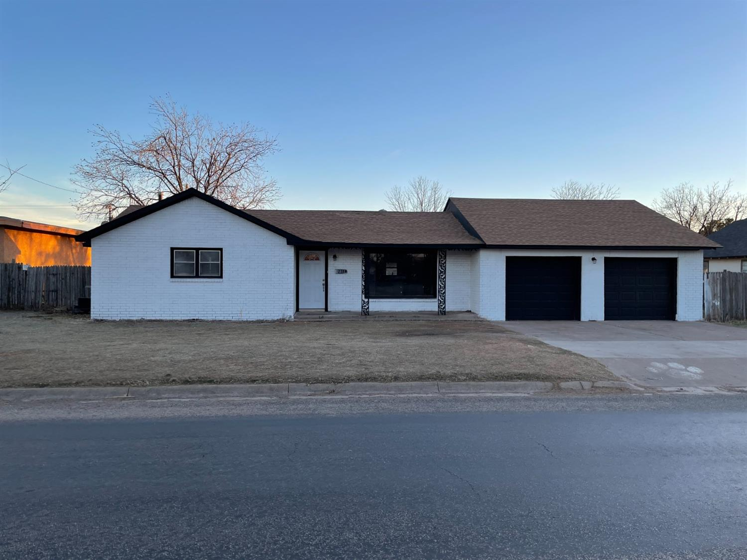 Great Small Town Community and close to Lubbock. This 4 bedroom 2 bath 2 car garage has had a make over. New paint, flooring, fixtures, gas line, electrical upgrade, hvac and nearly on a 1/2 acre lot is great for those that need the room.