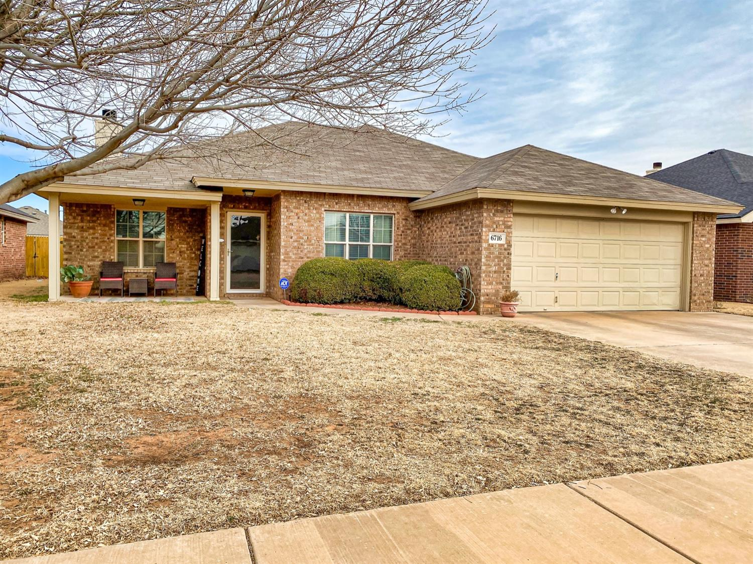 Welcome Home to this doll of a house!!! Complete with 3 bedrooms and 2 baths. This is a David Rogers Home with tons of storage and extra closets! Dining room is separate and could be used as an office. There are 2 covered patios front & back plus a storage shed in backyard! You won't want to miss this one!!!