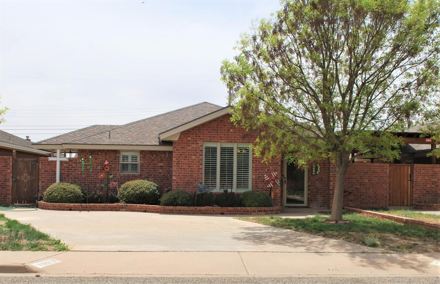 Photo for MLS Id 149297 located at 700 Poplar