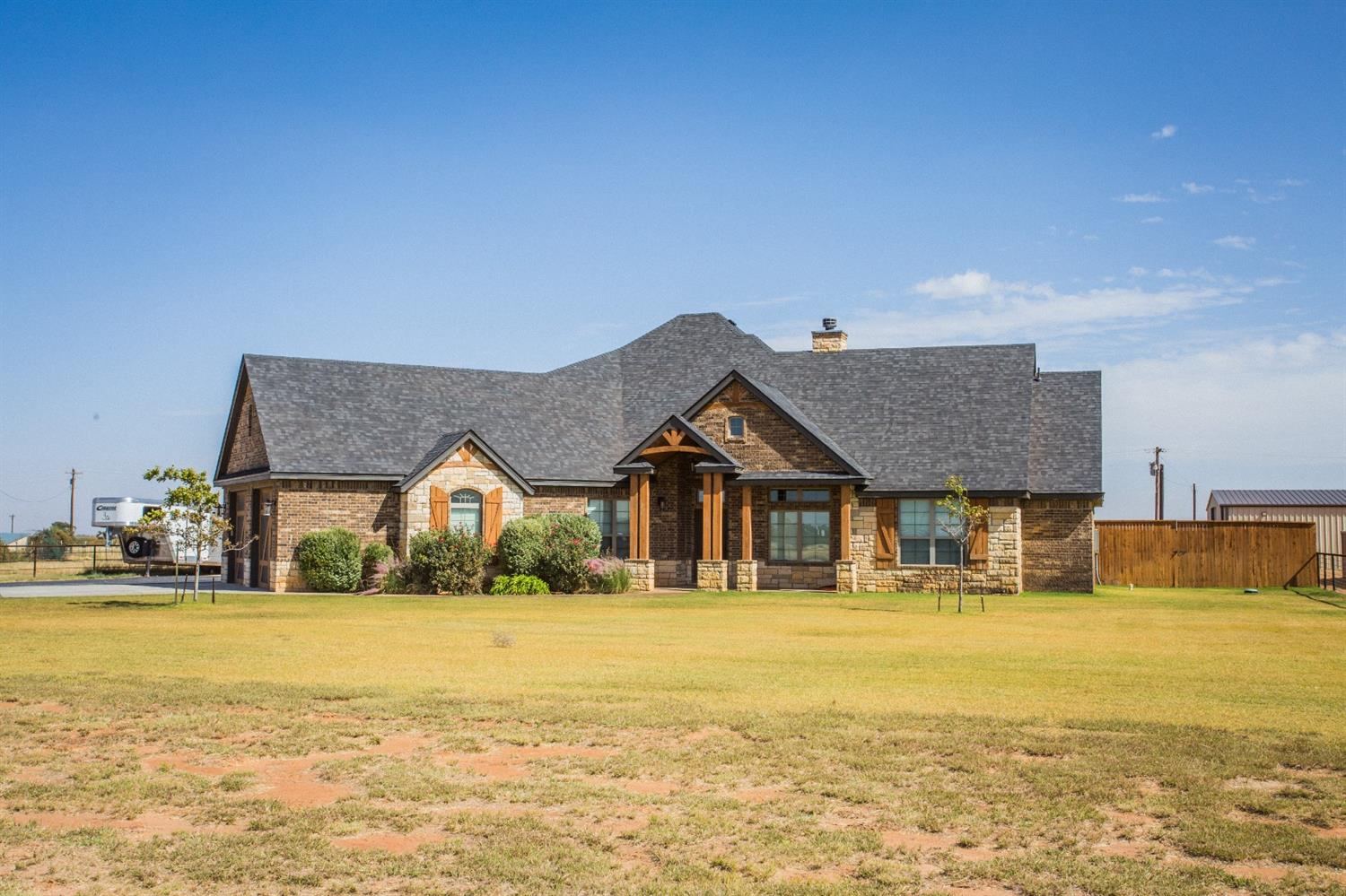 3915 Macaw - Ropesville