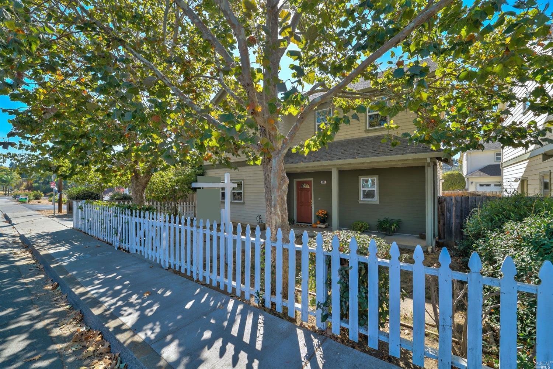 516 W J Street, Benicia, CA 94510