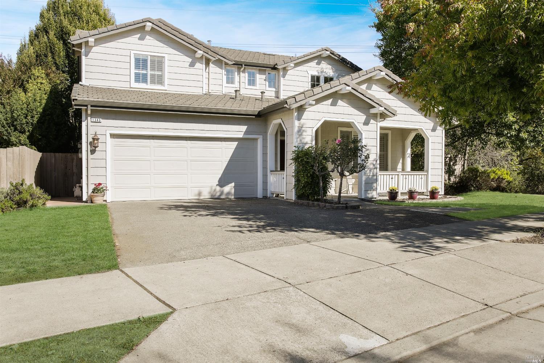 1343 Golf Course Drive, Windsor, CA 95492