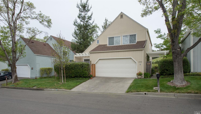 583 Fieldcrest Drive, Healdsburg, CA 95448