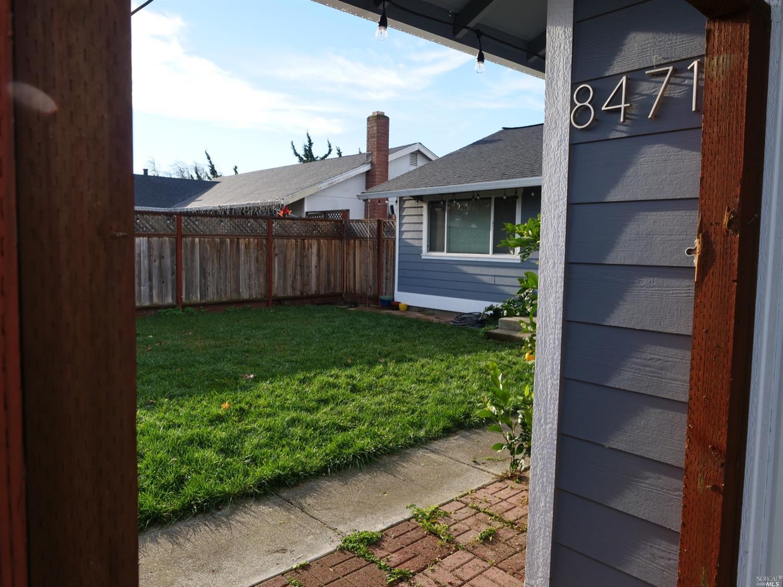 8471 Larch Avenue, Cotati, CA 94931