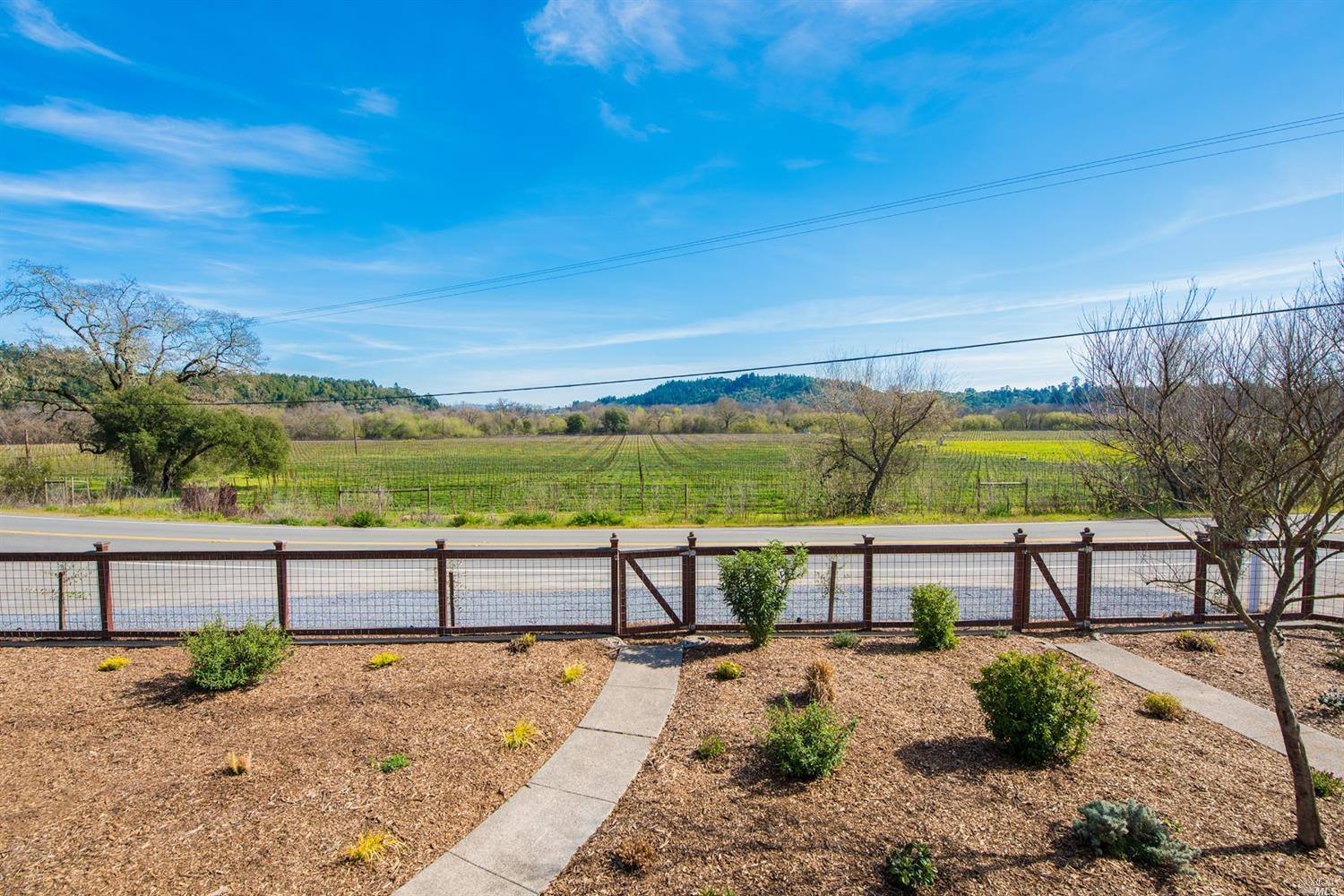 9975 WESTSIDE ROAD, HEALDSBURG, CA 95448  Photo