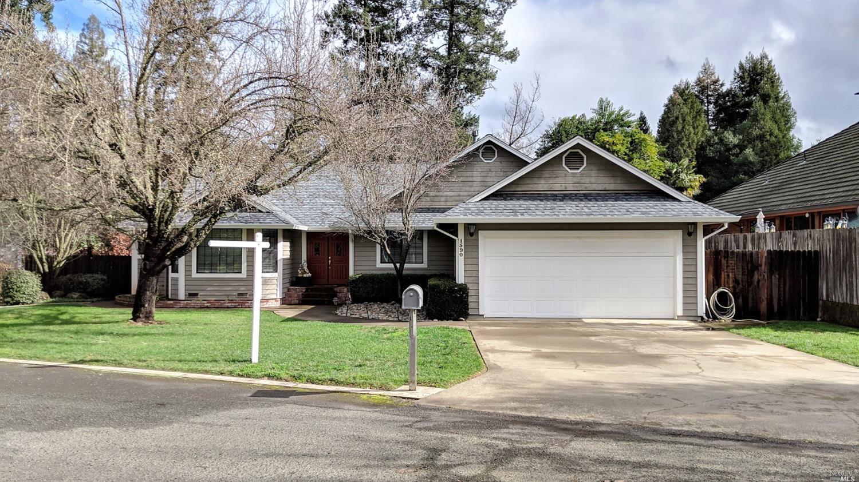 1590 Crane Terrace, Ukiah, CA 95482