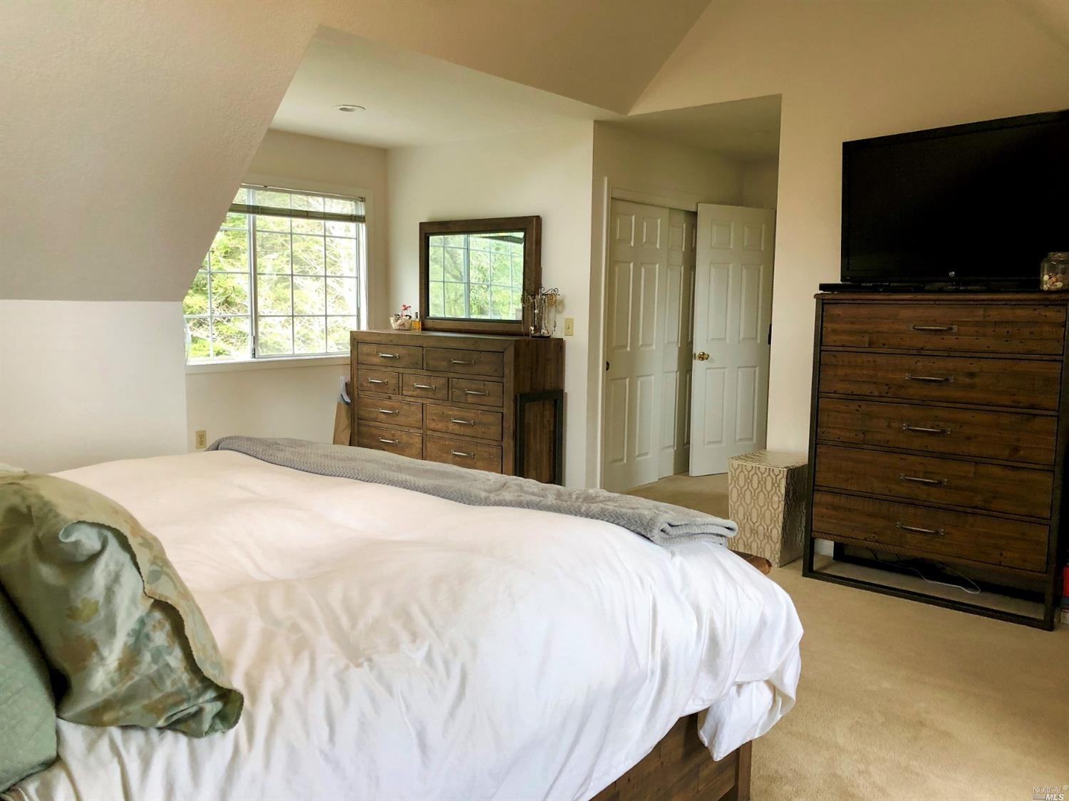 2455 LAGUNA ROAD, SANTA ROSA, CA 95401  Photo