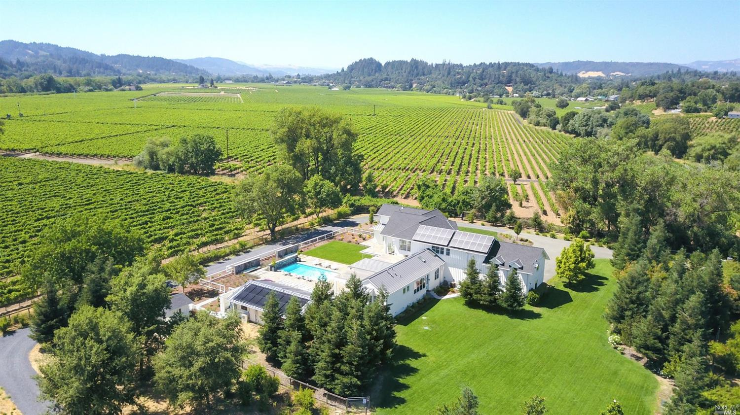 Photo of 14789 Kinley Drive, Healdsburg, CA 95448