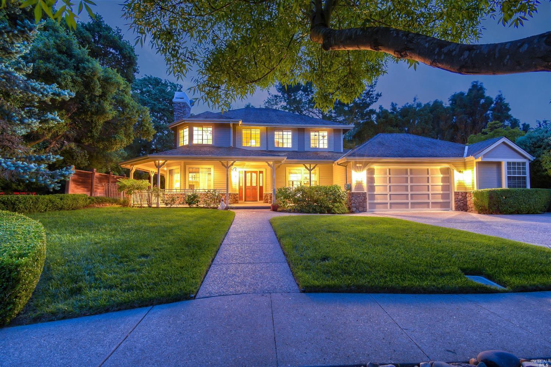 1 Kingswood Drive, Petaluma, CA