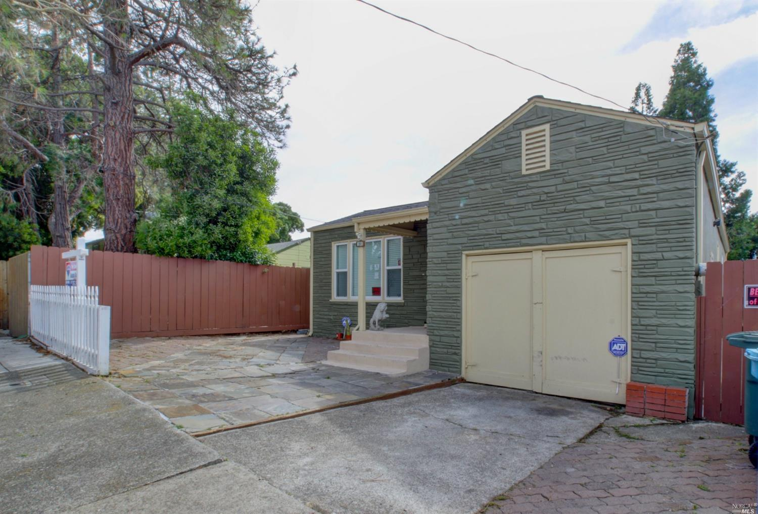 Photo of 201 14th Street, Vallejo, CA 94590