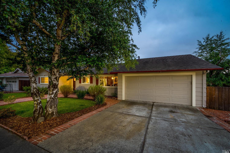 2111 Hillside Drive Santa Rosa 95404 Mls 21911294