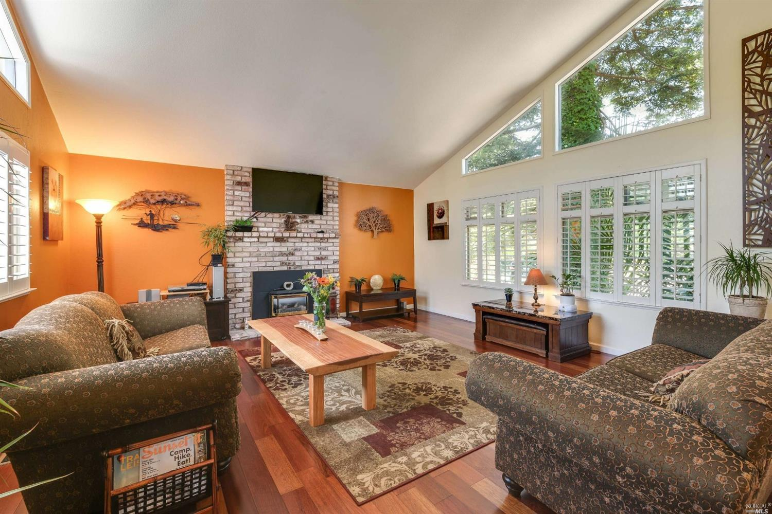 Photo of 3404 Parker Hill Road, Santa Rosa, CA 95404