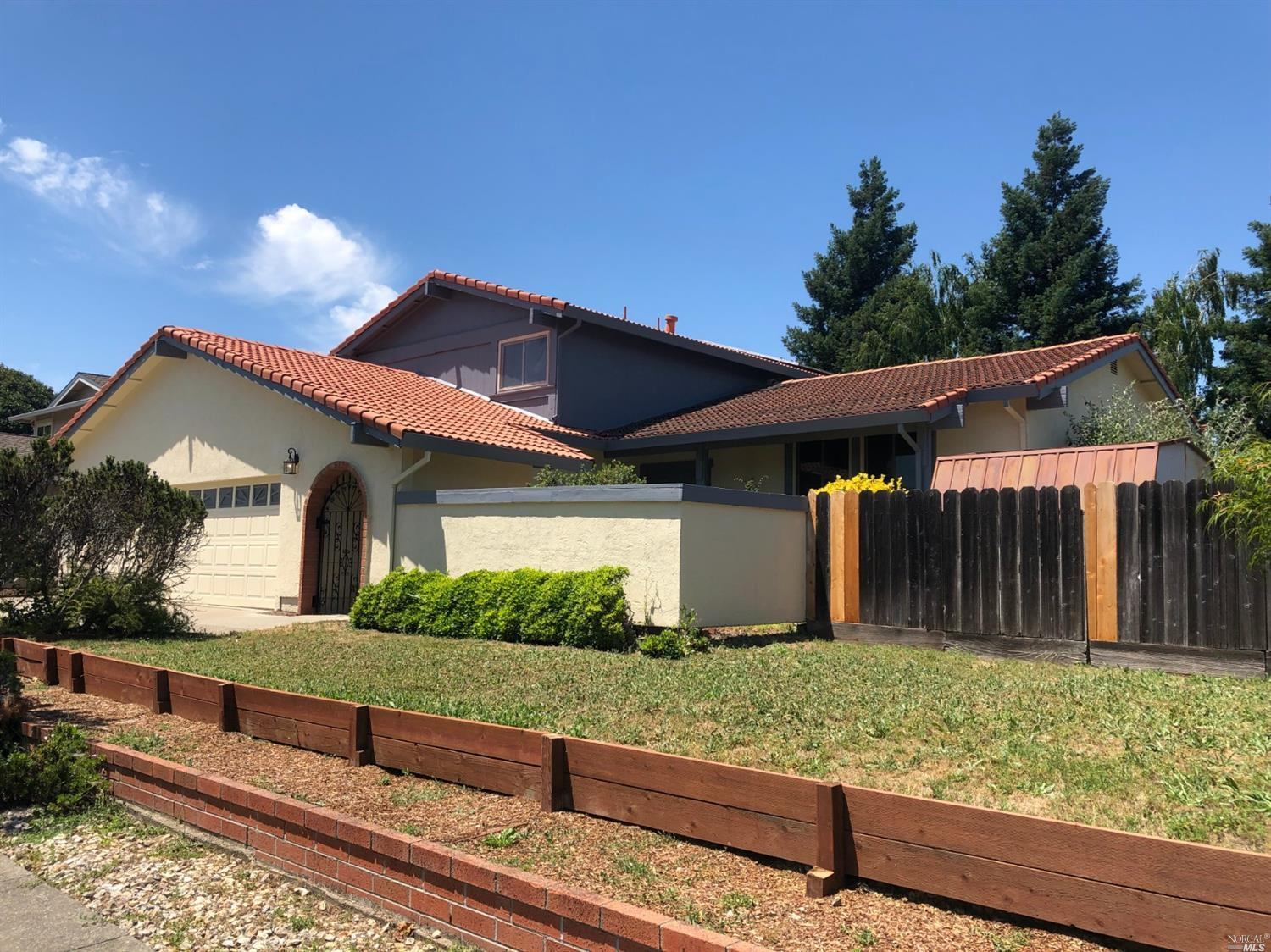 Photo of 3408 Deerfield Court, Napa, CA 94558