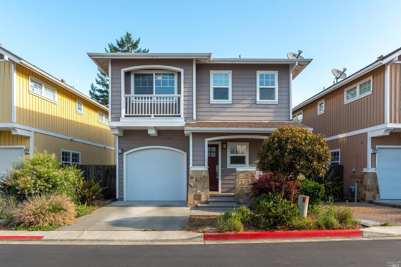 949 Martin Circle, Petaluma, CA