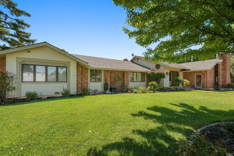 230 Fernwood Wy, Dixon, CA, 95620