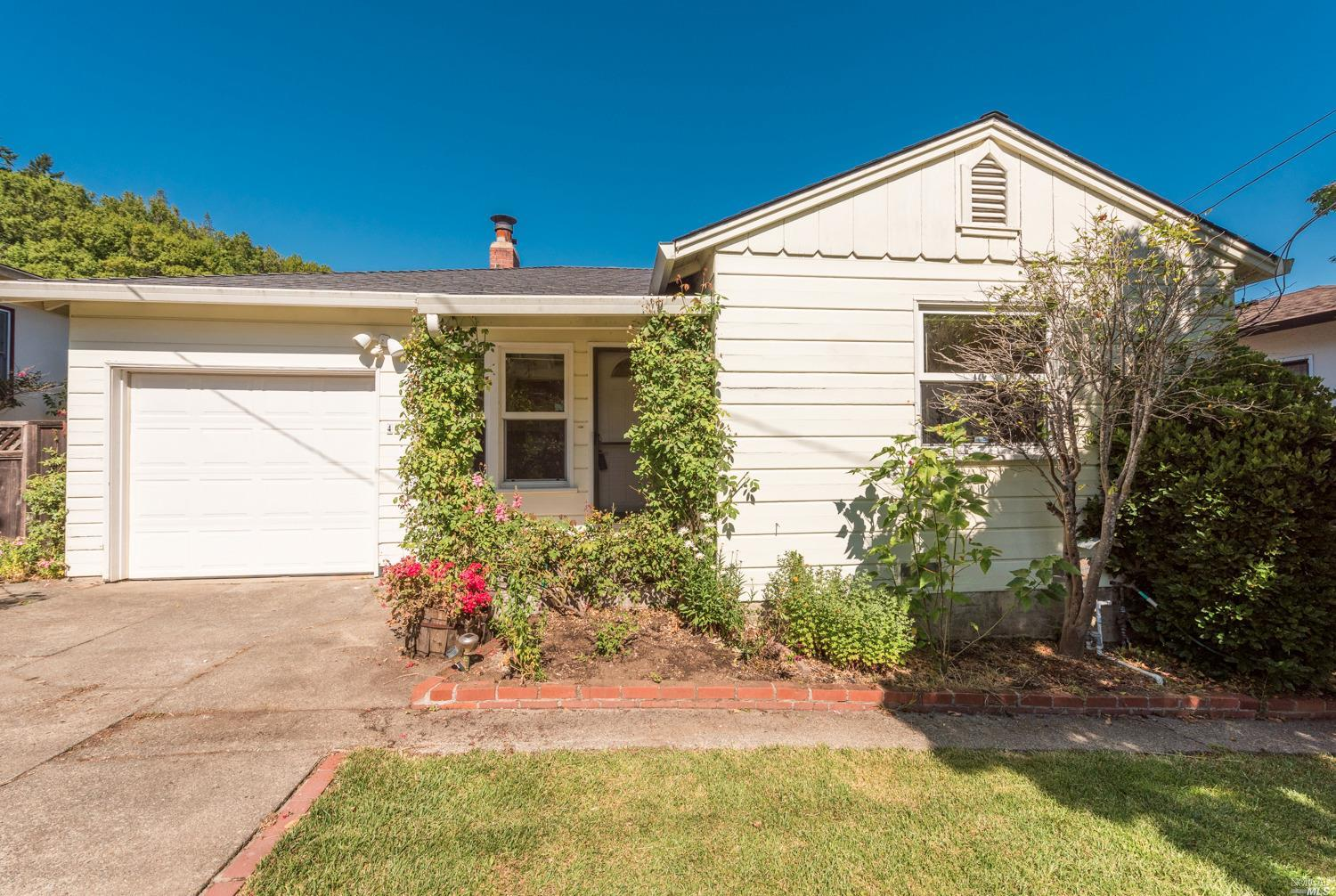 40 Ross Valley Drive San Rafael, California 94901, 2 Bedrooms Bedrooms, ,1 BathroomBathrooms,Residential,For Sale,40 Ross Valley,21916116