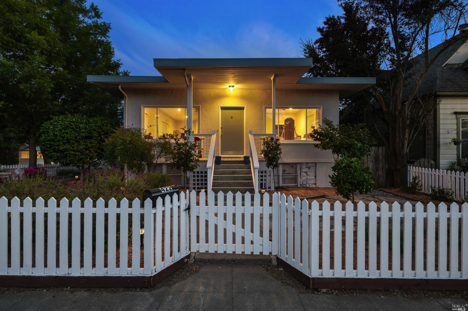 This turn-key triplex is located just a short walk to the famed Healdsburg Plaza.  Consisting of a 3 bed/1 bath unit, a 2 bed/1 bath unit, a 1 bed/1 bath unit, plus a non-conforming studio, this is a rare option for an owner/occupant with additional income potential. Upgraded with a new roof, fresh paint and landscaping, this property is located among high-end residences and offers steady income.