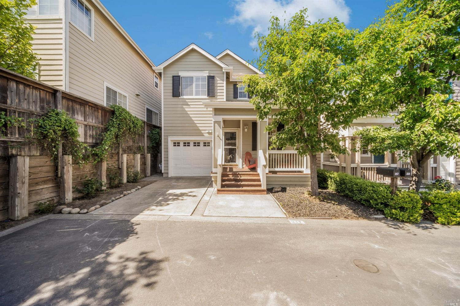 217 Preston Court, Petaluma, CA